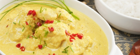 Exotisches Fischfilet mit Curry-Kokosmilch-Sauce