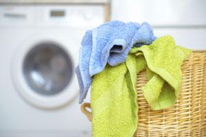 Wäsche waschen im Keller