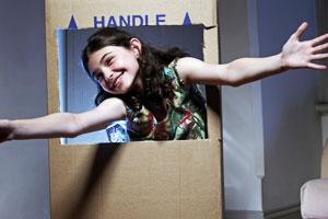 Bastelidee Kaufladen aus Karton für Kinder