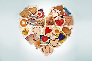 Geschenkidee Persönliche Fotos in Herzform als Geschenkpapier
