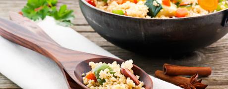 Gemüse-Couscous mit Pfefferminz-Joghurt