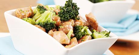 Poulet-Broccoli-Pfanne mit Kokosmilch