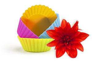 Tischdeko-Tipp für Brunch: Blumengruß im Muffin-Förmchen