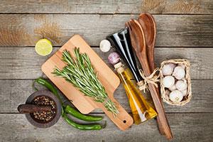 DIY-Weihnachtsgeschenk: Zutaten für aromatisiertes Öl