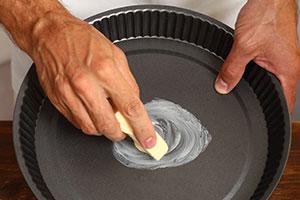 Haushaltstipp: Kuchenform einfetten