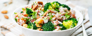 Brokkoli-Kichererbsen-Reis mit Mandeln
