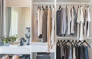 DIY: Begehbarer Kleiderschrank zum Selberbauen