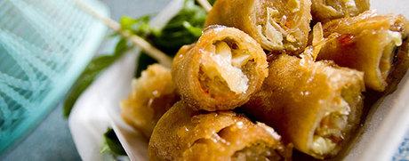 Vegetarische Thai-Frühlingsrollen mit Chili-Pfiff
