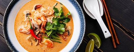 Soupe de nouilles thaï épicée aux crevettes