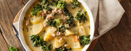 Kartoffel-Grünkohl-Suppe mit Hackfleisch