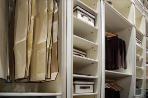 motten kleider perlanatura teppich oder gemeinsame kleidung motten larven tineola stockfoto. Black Bedroom Furniture Sets. Home Design Ideas