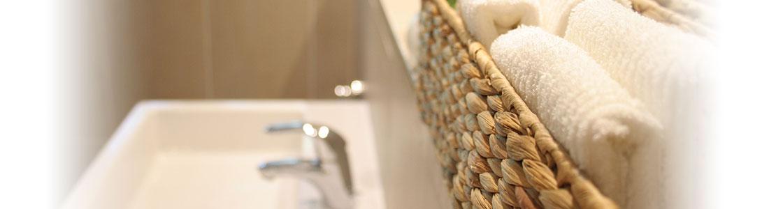 schicken stauraum schaffen in bad g ste wc henkel lifetimes. Black Bedroom Furniture Sets. Home Design Ideas